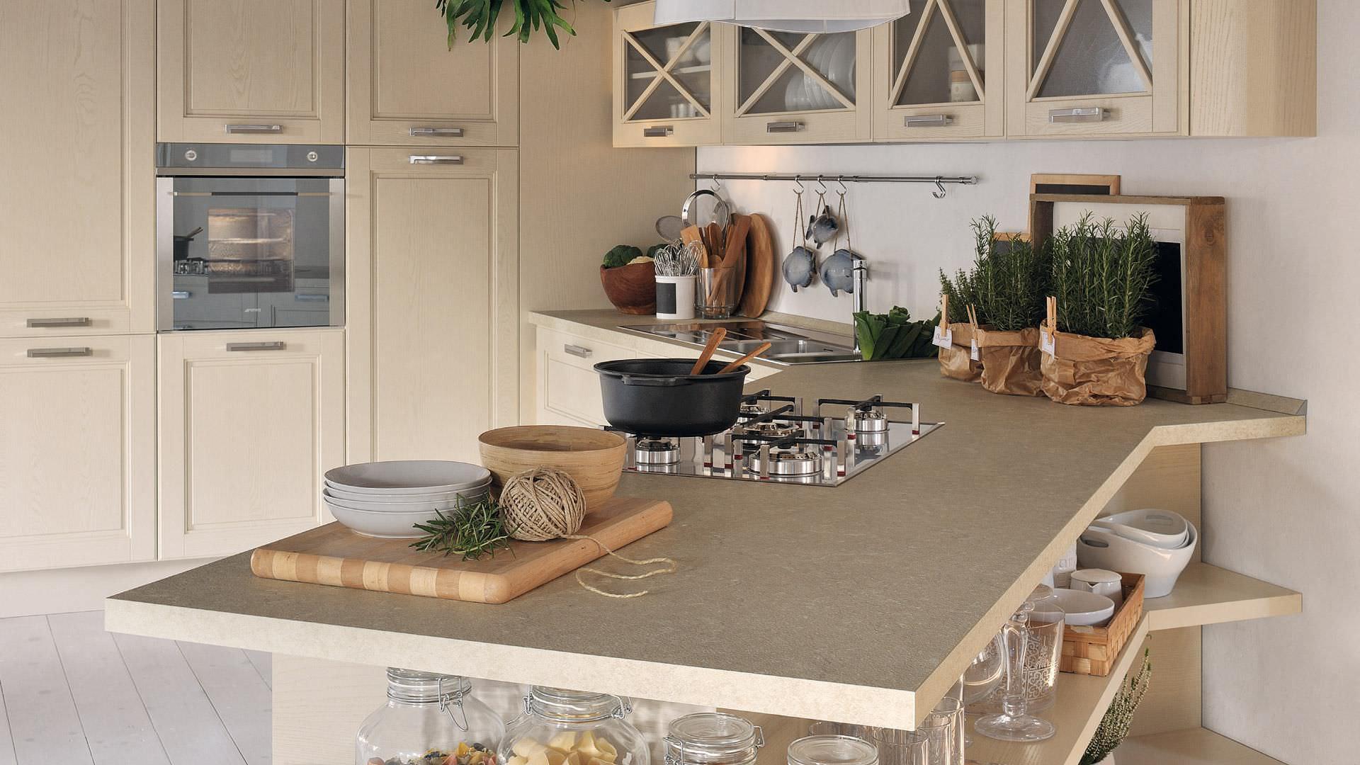 Классическая кухня из цельной древесины с ручками agnese