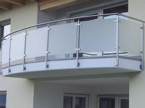 Балкон со стеклянными панелями / из нержавеющей стали