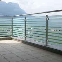 Ограждение из нержавеющей стали / со стеклянными панелями / для экстерьера / для террасы