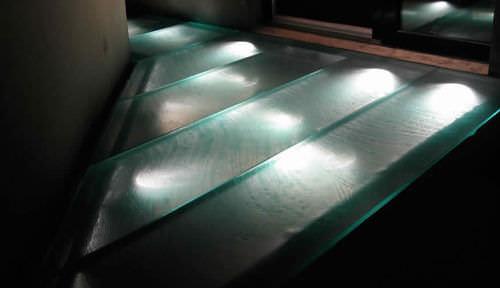декорированная стеклянная панель / для мостка / противоскользящая / полупрозрачная
