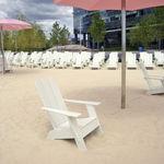 современное кресло / из полиэтилена / с подлокотниками / из перерабатываемых материалов
