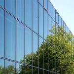 стеклянная панель с настилом / с контролем солнечной энергии / для окон / для фасада