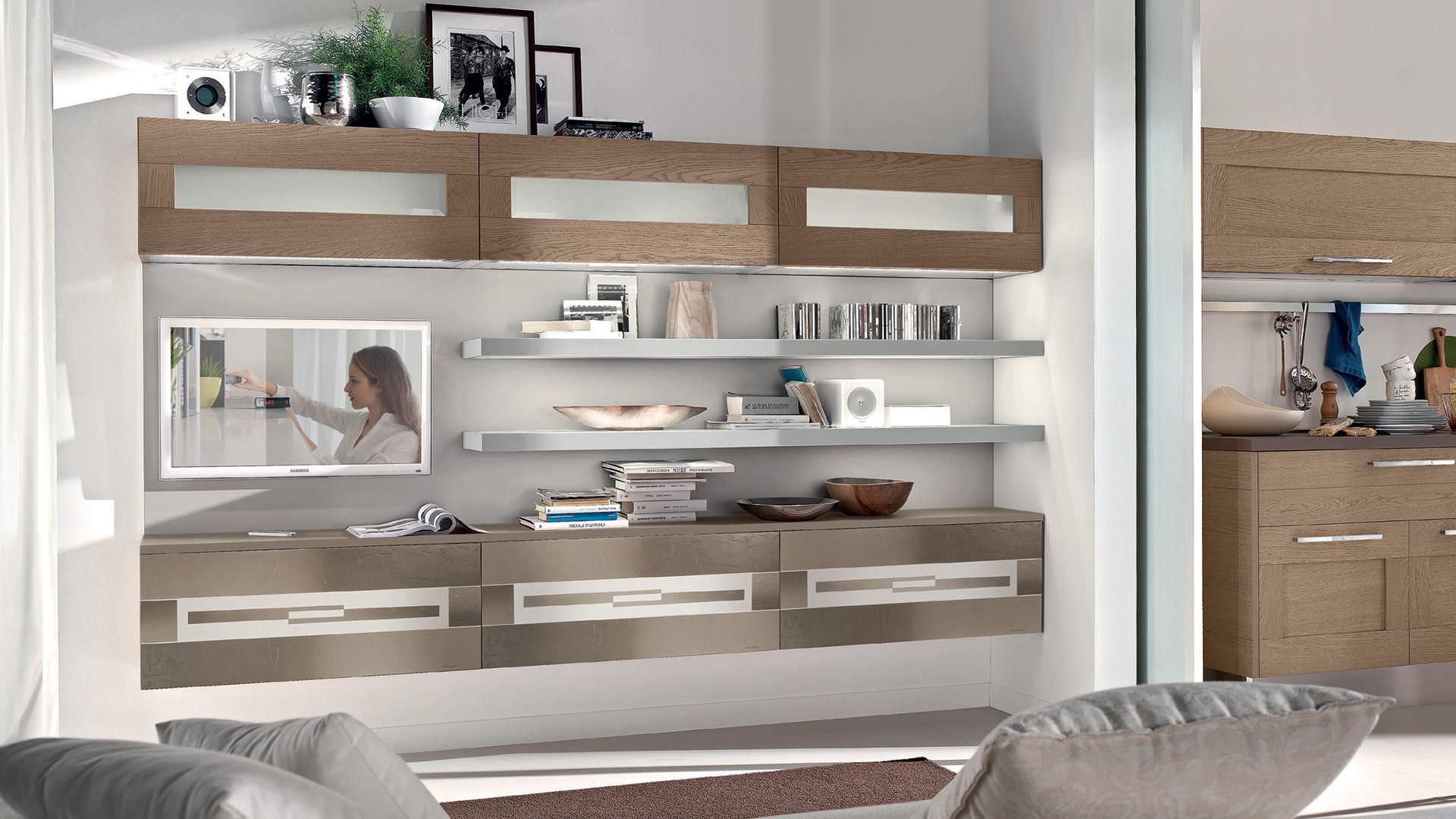 современная стенка для гостиной из лакированной древесины