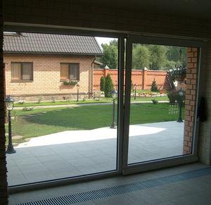 поворотно-раздвижное панорамное окно