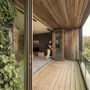 панорамное окно сложенное «гармошкой»