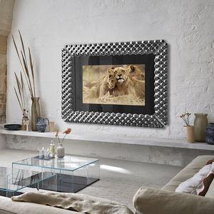 настенный зеркало-телевизор