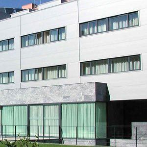 сэндвич-панель для фасада / поверхность из стали / прокладка из полиуретана PUR / прокладка из пеноматериала