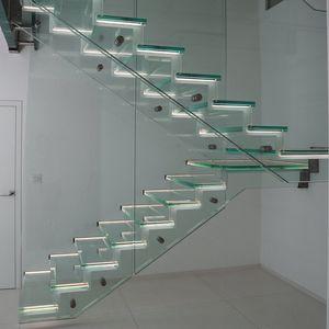 полуповоротная лестница