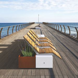 общественная скамейка / уникальный дизайн / из дерева / из стали