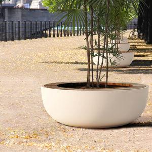 кадка для садовых растений из дерева