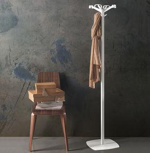 вешалка для верхней одежды на ножке