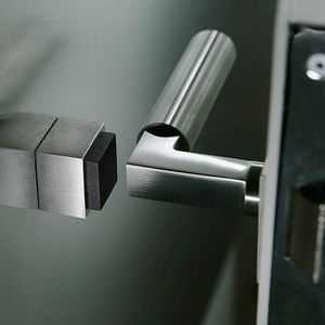 дверной доводчик из алюминия