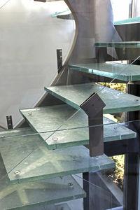 ступень из стекла