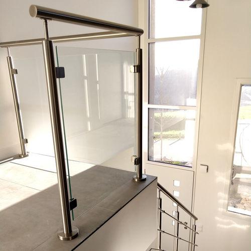 ограждение из стекла / с панелями / для интерьера / для кровати-чердака