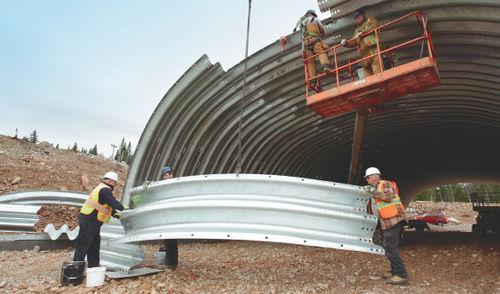 волнистое листовое железо / из стали / для строительства моста
