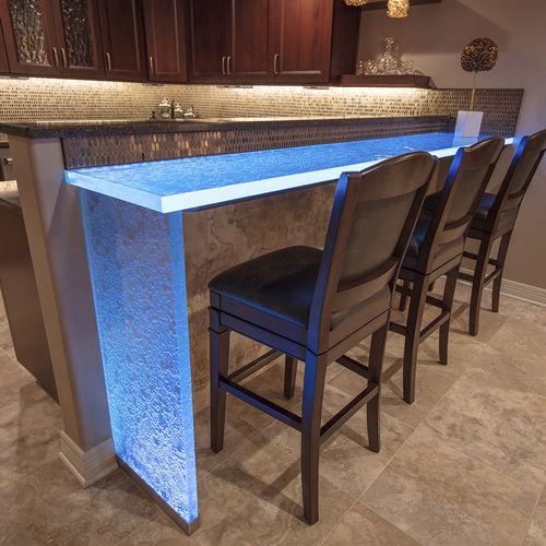 современный высокий стол для еды стоя / из стекла / прямоугольный / в форме L