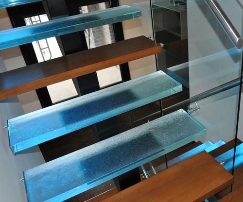 прямая лестница / в четверть оборота / полуповоротная / металлическая конструкция