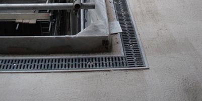 лоток канализации из гальванизированной стали / с решеткой / для парковки