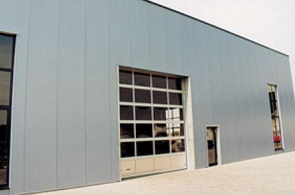 сэндвич-панель для фасада / металлическая поверхность / прослойка из полиуретановой пены