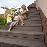 покрытие ступени из композитной древесины / противоскользящее / высокое сопротивление