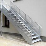прямая лестница / из металла / с металлическими ступеньками / с подступенком