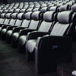 кресло для кинотеатра из ткани / с подголовником / откидное / красное